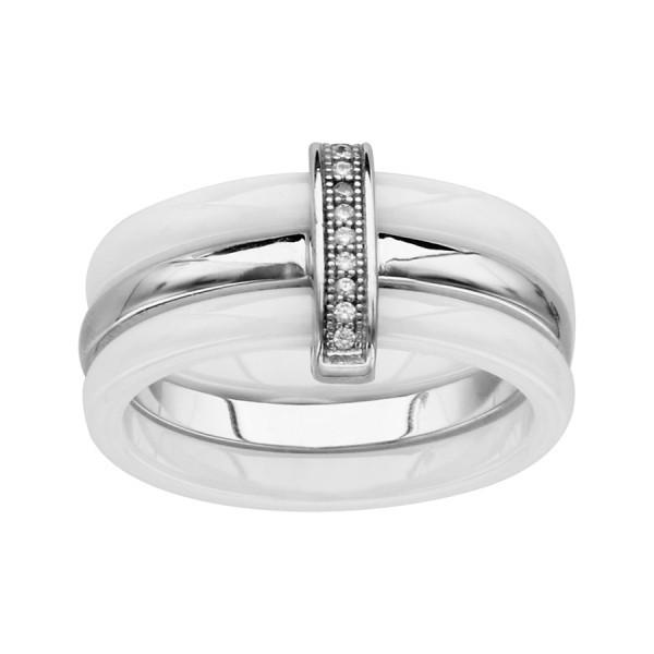 Bague céramique blanche avec un anneau en argent et oxydes blancs